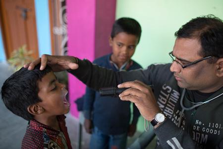 Proyecto sanitario de Semilla para el Cambio, Regalos Solidarios