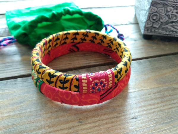 Regalos solidarios -pulseras de tela artesanales-semilla para el cambio