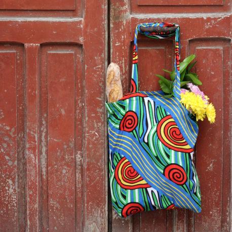 Bolsas de tela con asas regalo solidario de la ONG Semilla para el Cambioi