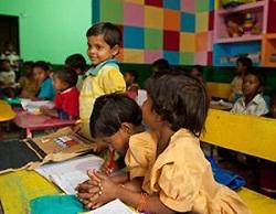 Niños estudiando - Semilla para el cambio