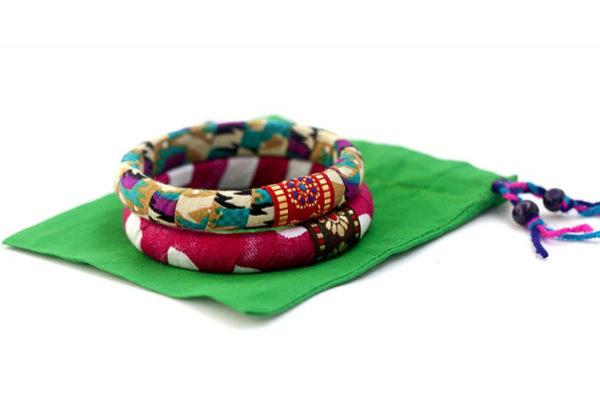 Pulseras tipo brazalete regalo solidario de la ONG Semilla para el Cambio