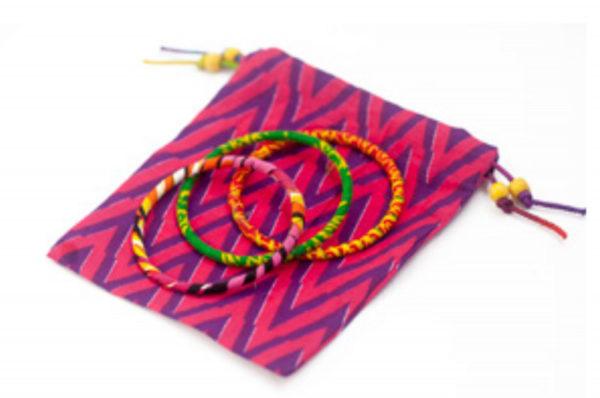 Pulseras finas tipo brazalete regalo solidario de la ONG Semilla para el Cambio