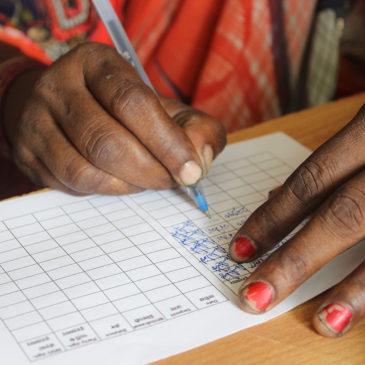 Semilla explicó a las mujeres de los 'slums' las ventajas del ahorro