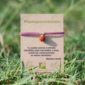 Pulsera rudraksha, regalo solidario de la ONG Semilla para el Cambio